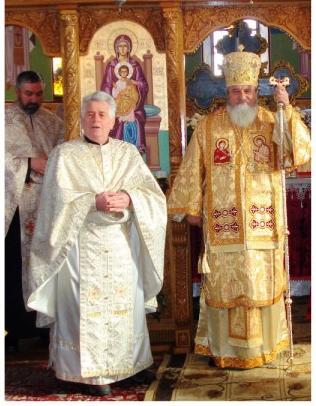 morti - parintele Vasile Onciu (stanga) impreuna cu Mitrolitul Ardealului
