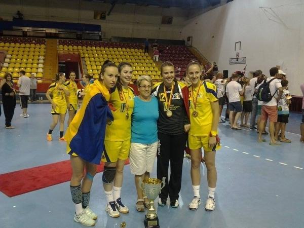 Ciulei - Maria Ciulei cu cele patru campioane mondiale