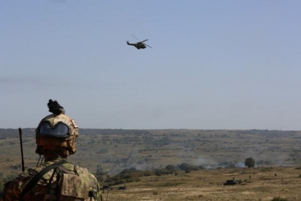 Histria 15 la Cincu_07_(elicopter IAR 330 Puma SOCAT)
