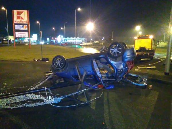 accident giratoriu Kaufland 04.02.16_03