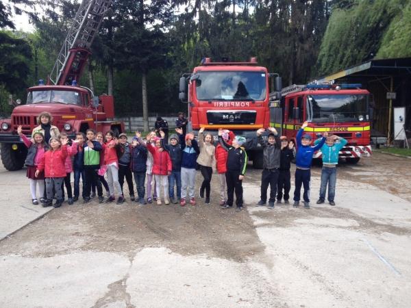 Scoala altfel - Pompieri_01
