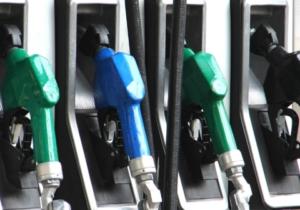 Parlamentul a votat eliminarea supraaccizei la carburanți. Oficial, prețurile ar trebui să scadă de la 1 ianuarie 2020