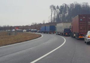 VIDEO | Accident cu mai multe vehicule, DN 1 blocat