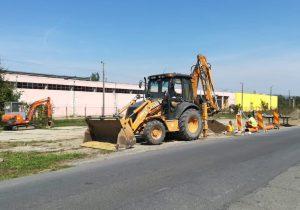 A început extinderea rețelei de canalizare pe Șoseaua Hurezului și strada Salcâmului